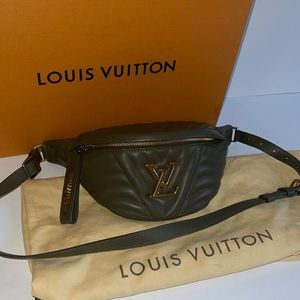 Authentic Louis Vuitton new wave bum bag belt case